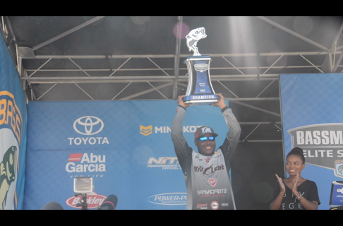 Mark Daniels Jr. WINS Lake Oahe Bassmaster Elite